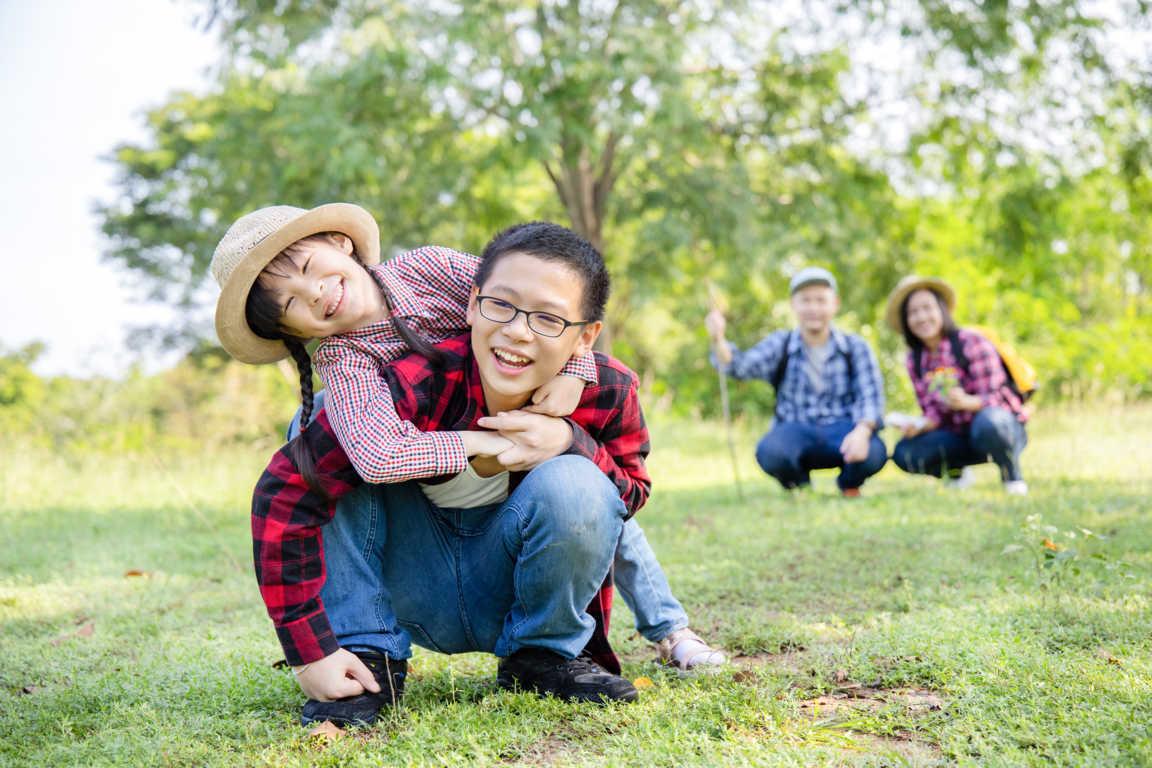 Los juegos de campamento más populares para enseñar a tus hijos.