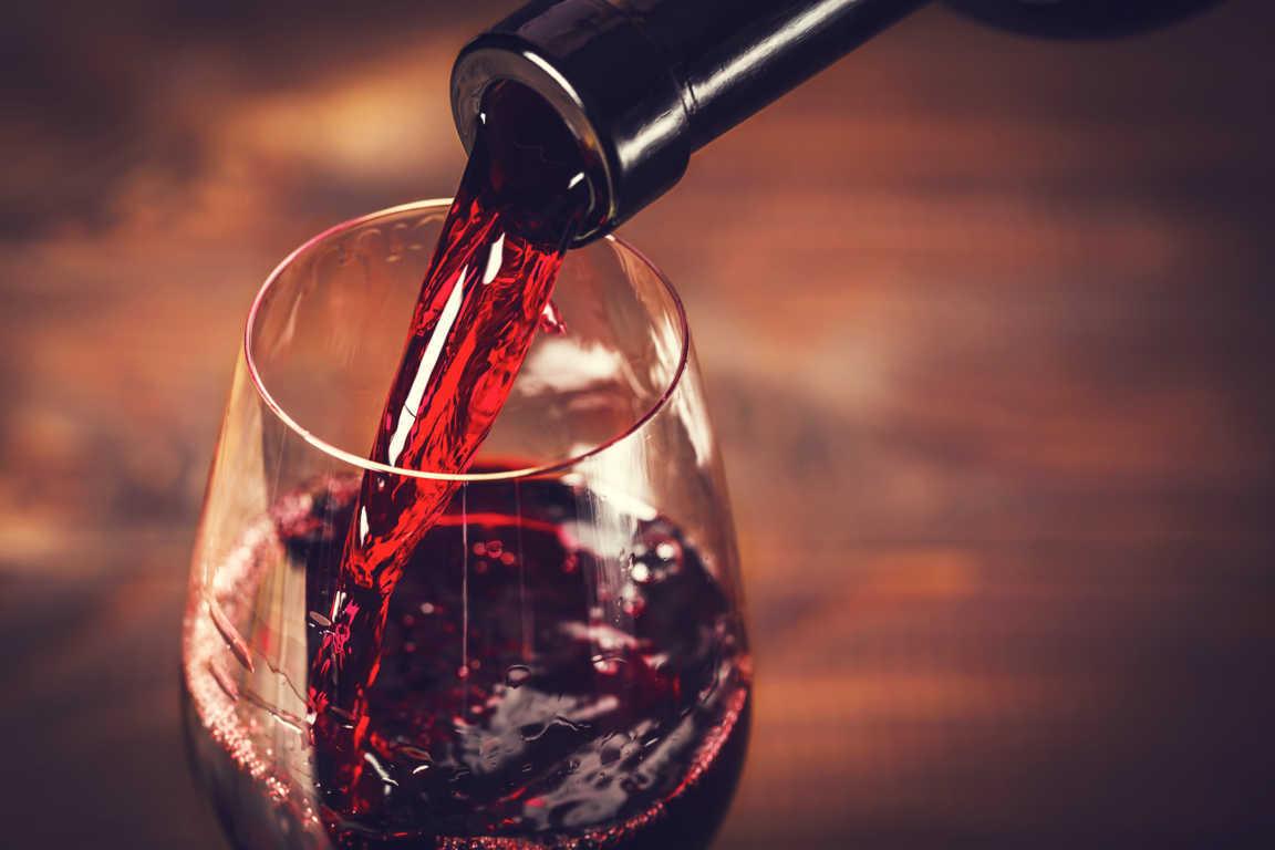 Conoce el proceso detrás de una copa de vino